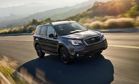 Subaru представила спецверсию Forester Black Edition